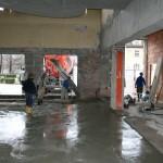 Betonieren Boden Wartehalle